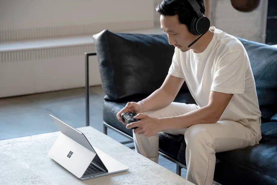سرفیس لپ تاپ استودیو